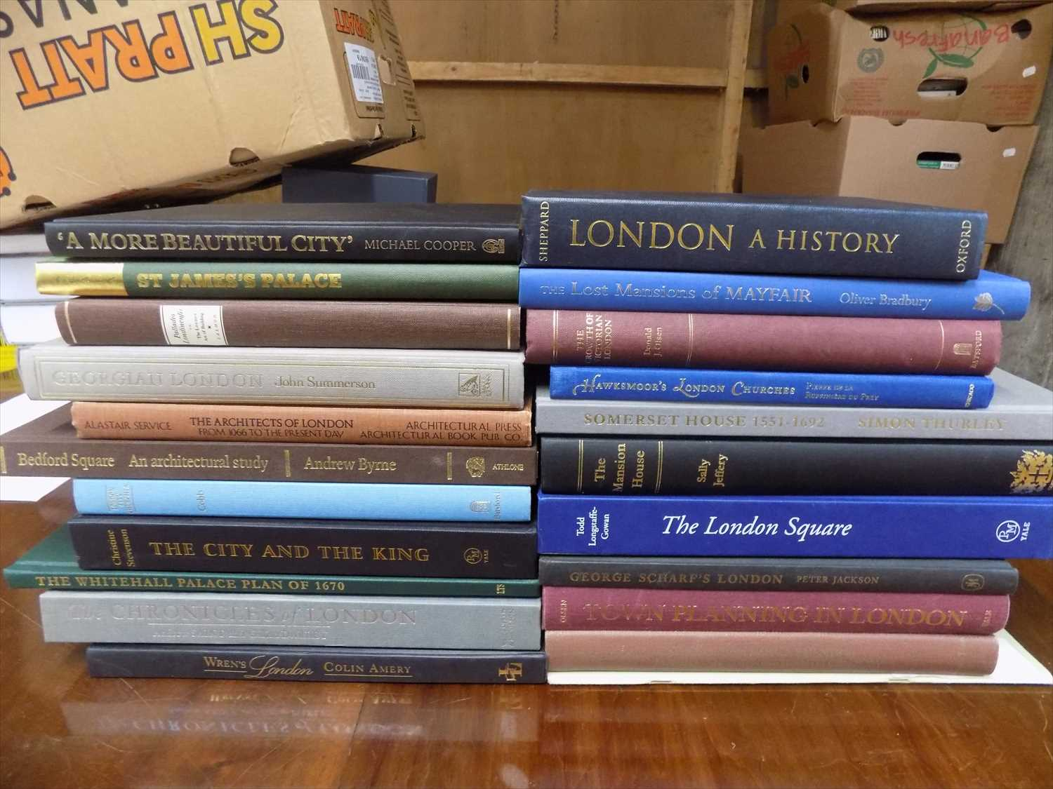 Lot 8-LONDON ARCHITECTURE 21 good quality books...