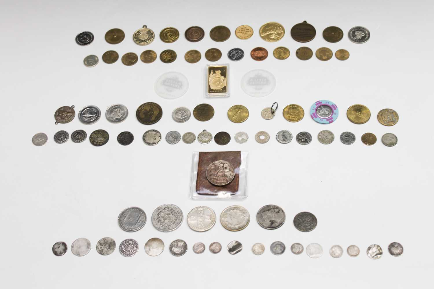 Lot 4 - Miscellaneous coins and tokens including: A GB...