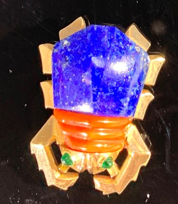 Lot 2595-A Cartier beetle brooch, the abdomen in lapis...