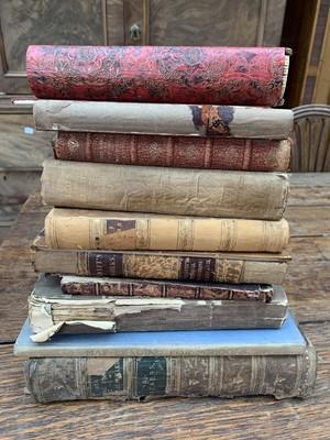 Lot 1237 - MISC BOOKS. BOX.