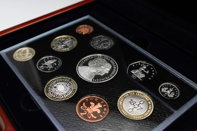 Lot 12-GB 2007 Executive proof collection in wooden...