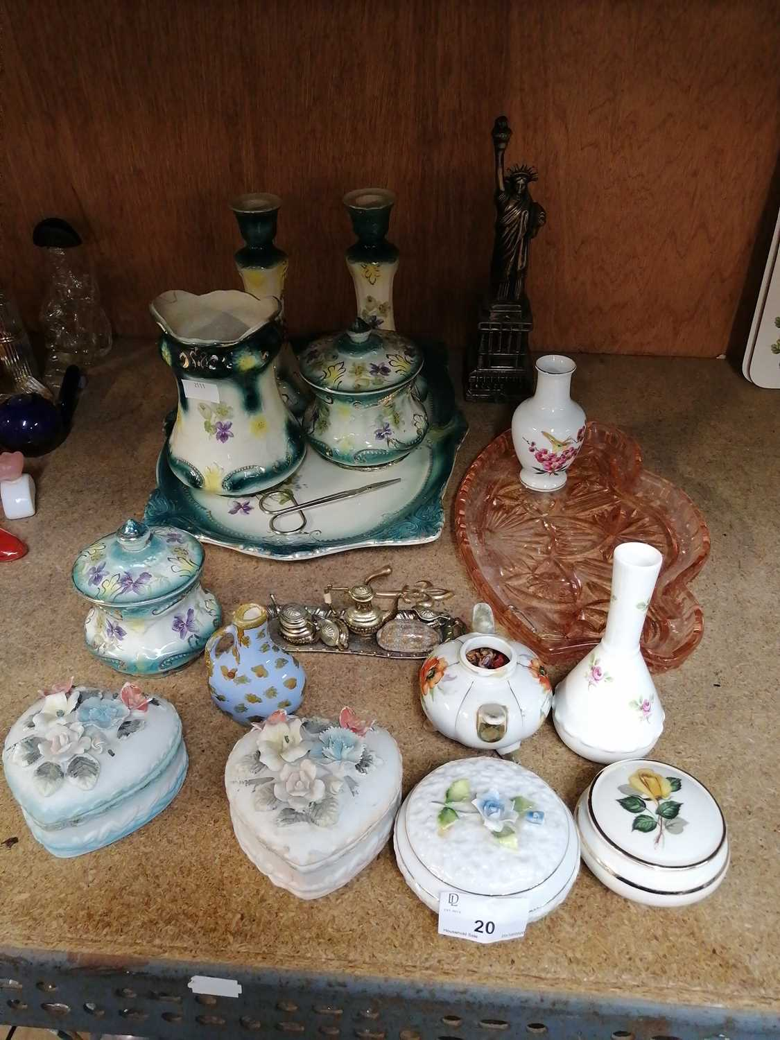 Lot 20-• A collection of porcelain.