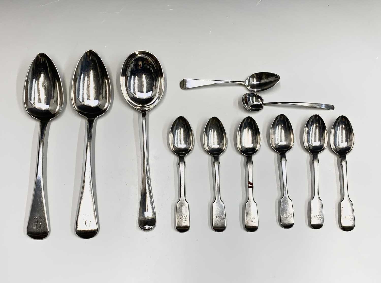 Lot 15-Eleven English silver spoons 11.1oz
