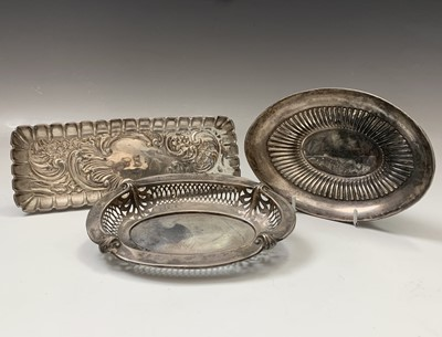 Lot 32-Two silver bonbon bowls and a silver pen tray...