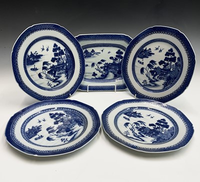 Lot 4 - A Chinese export porcelain octagonal dish,...