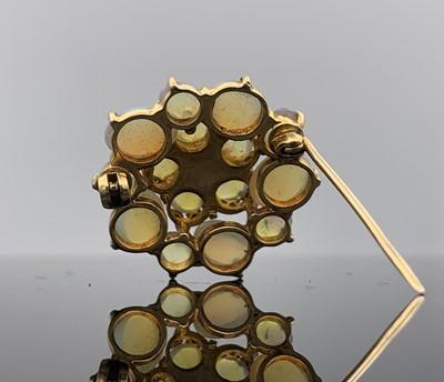 Lot 176 - A 9ct gold three-tier flower-head brooch 26mm...