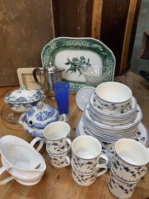 Lot 9 - A Spode Green Camill Royal Doulton Hartford...