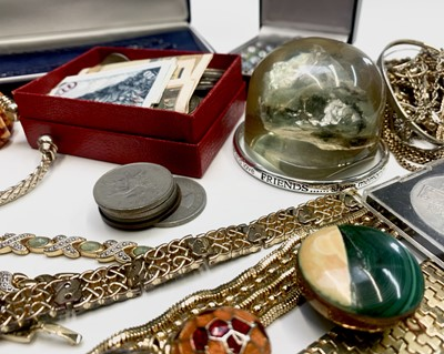 Lot 91 - Costume jewellery and a few coins etc.