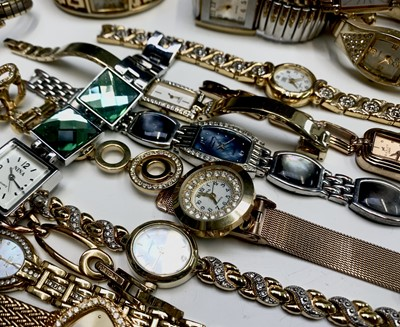 Lot 94 - A huge collection of ladies watches