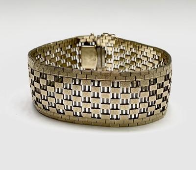 Lot 36 - A 9ct gold bracelet width 24mm 40.7gm