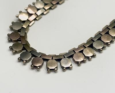 Lot 65 - A 9ct three colour gold fringe necklace 41cm...