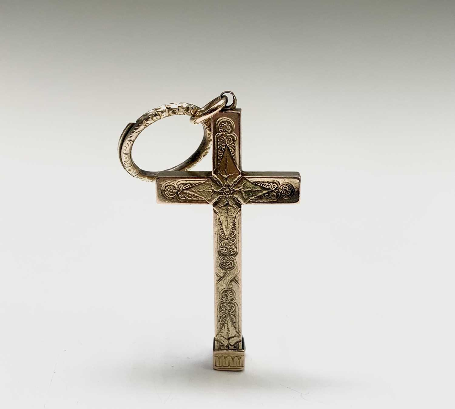 Lot 79 - A Victorian gold propelling pencil of cross...
