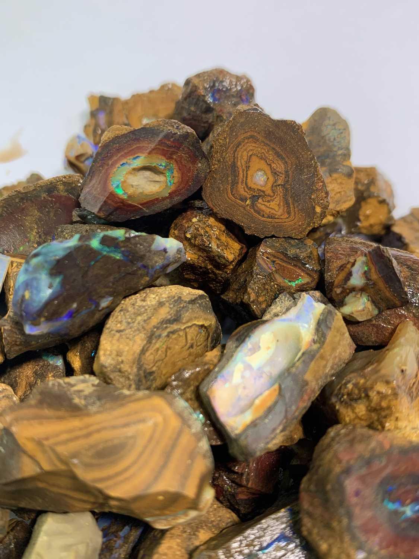 Lot 175 - Uncut opals 347gm