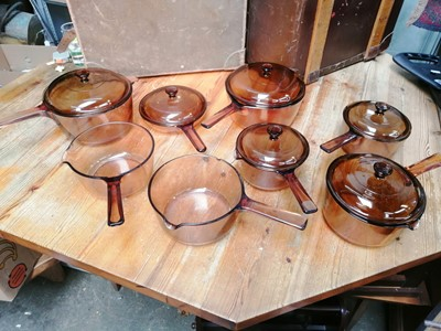 Lot 2 - A set of eight Vison Corning French glass...