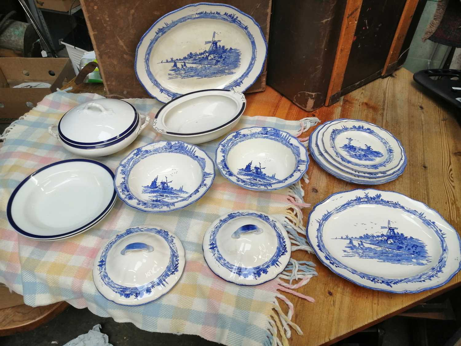 Lot 16 - Royal Doulton Norfolk plates and lidded...