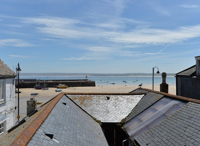 Lot 87 - A one week stay in Gentry House, St Ives,...