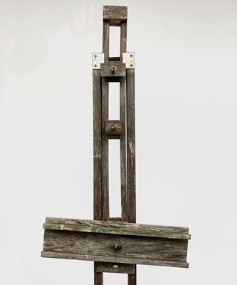 Lot 37 - A Windsor and Newton artist's easel.