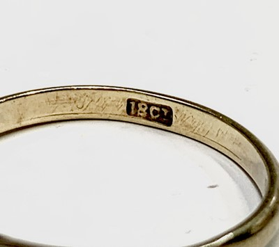 Lot 194 - An 18ct gold ring 1.9gm and two 9ct rings 3.6gm