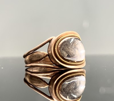 Lot 162 - A gold mourning ring 2.7gm