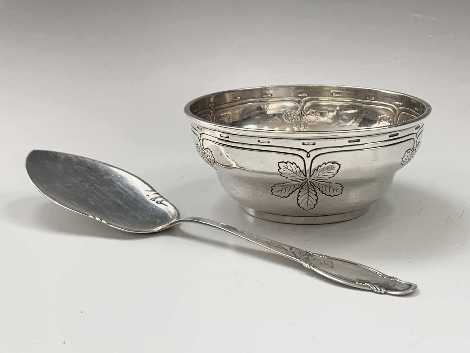 Lot 1069 - Charming early 20th century Danish silver bowl,...