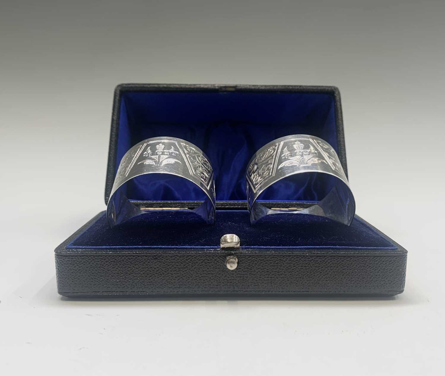 Lot 1078 - A pair of boxed 'Lawson & Co' bright cut...
