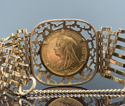 Lot 178 - A late Victorian full sovereign mounted in a...