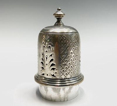 Lot 1060 - A silver vase shape sugar caster 4.4oz