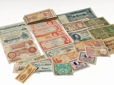 Lot 40 - British & World Banknotes: An unthreaded...