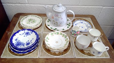 Lot 20 - Two boxes of miscellaneous ceramics.