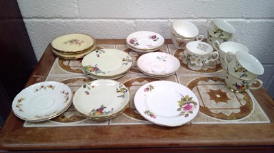 Lot 21 - Box of mixed ceramics. Mostly comprised of...