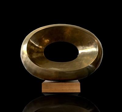 Lot 108 - Tom LEAPER (XX-XXI) Oval Form Bronze sculpture...