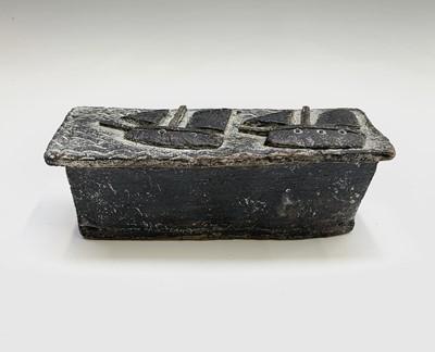 Lot 111 - John MALTBY (1936 - 2020) Ceramic box Signed...