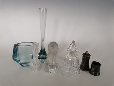 Lot 8 - A crystal bell, A 'West Germany' lead crystal...