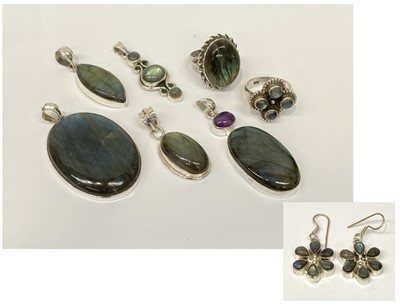 Lot 3 - Various pieces of silver and labradorite...
