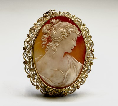 Lot 3 - A cameo brooch with high purity gold filigree...