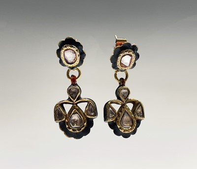 Lot 50 - A pair of Indian gold enamel and diamond set...