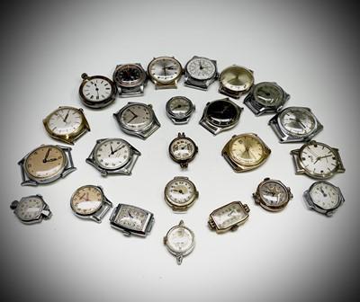 Lot 14 - Thirteen gentleman's mechanical wristwatches...
