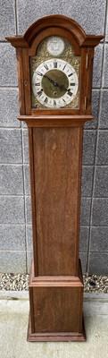 Lot 79 - Oak cased grandmother clock, lacking key,...