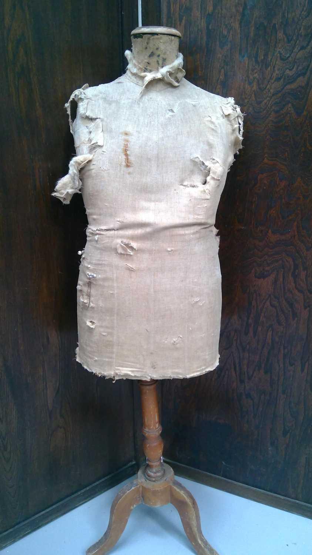 Lot 50 - A vintage mannequin distressed.