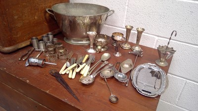 Lot 40 - Silverplate cutlery and other plate wares...