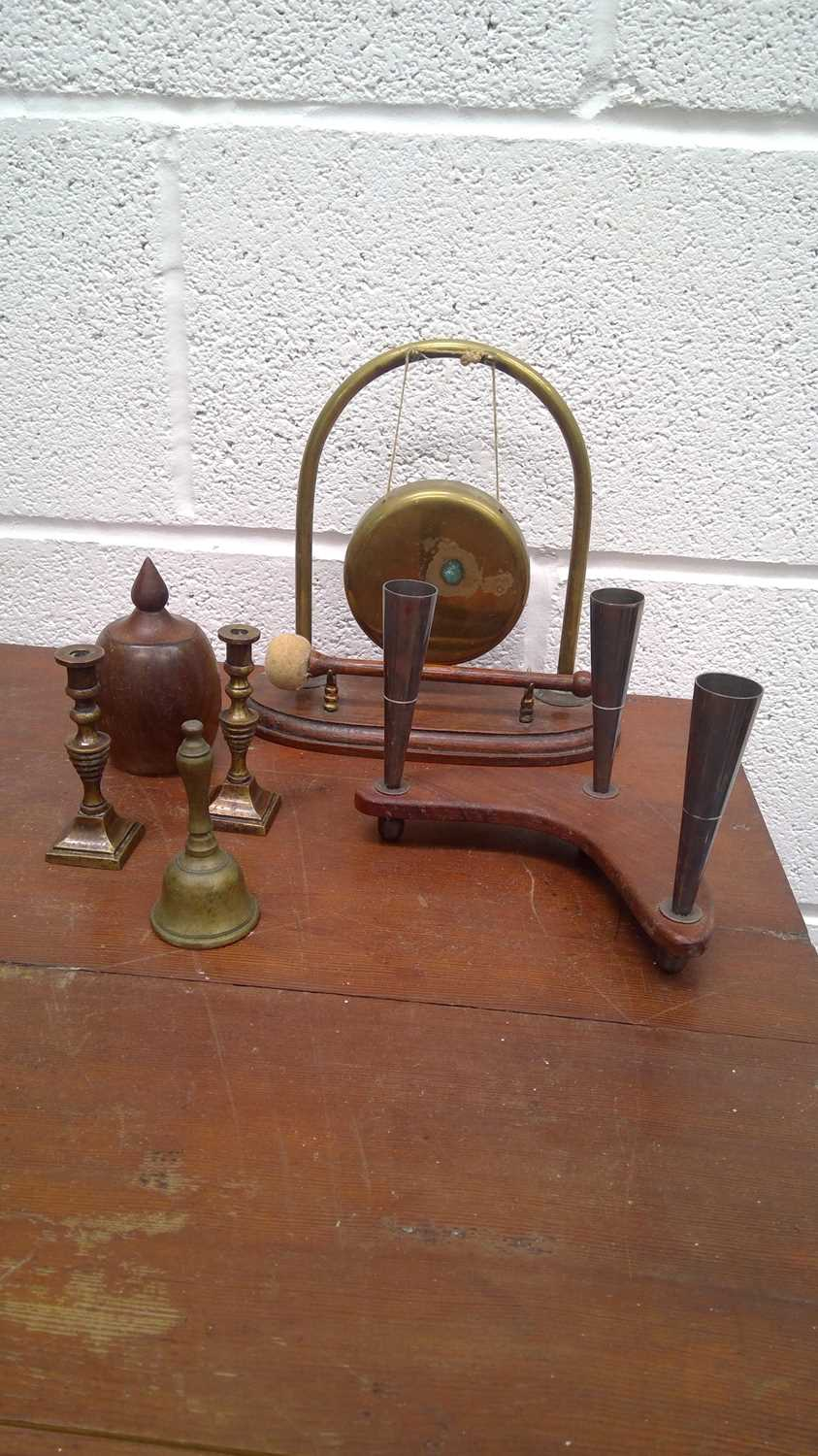 Lot 39 - Brass and mahogany gong, height 20cm,...