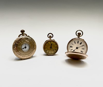 Lot 63 - A 14ct gold half-hunter cased keyless watch 37....