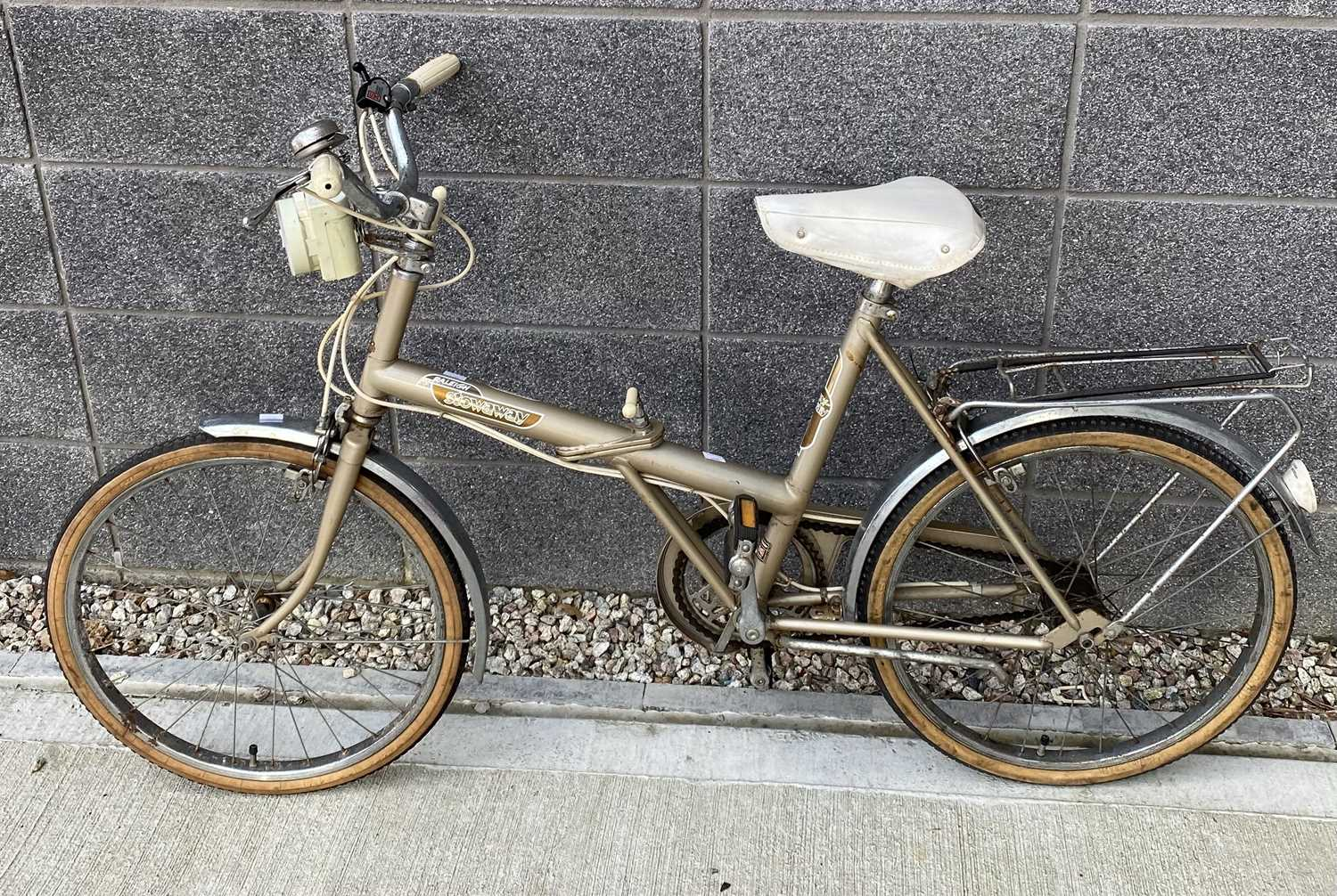 Lot 26 - A vintage 'Raleigh' Stowaway folding bicycle.