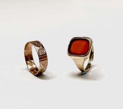 Lot 59 - A 9ct gold signet ring set carnelian 4.8gm...