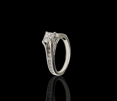 Lot 60 - A pretty18ct white gold diamond set ring, the...