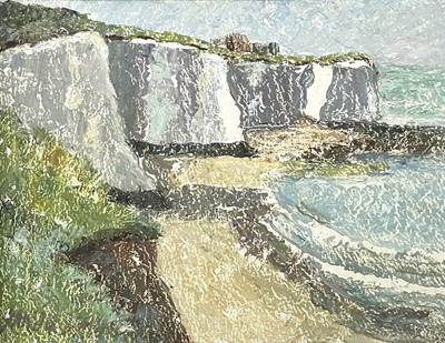 Lot 16 - Garlick BARNES (1891-1987) White Cliffs Oil on...