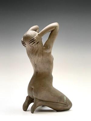 Lot 1070 - Alec WILES (1924) Kneeling Nude Ciment fondu...