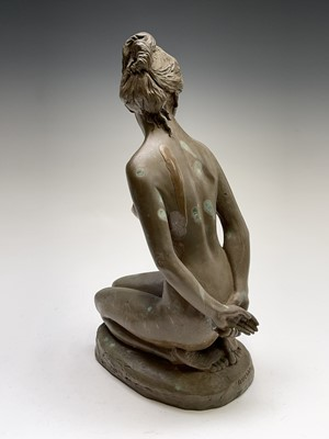 Lot 1074 - Alec WILES (1924) Kneeling Nude Ciment fondu...