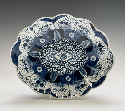 Lot 806 - A Worcester porcelain blue and white porcelain...