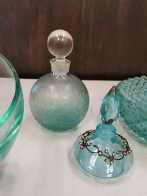 Lot 15 - Vintage turqouise glass including an art glass...